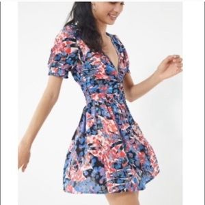 URBAN OUTFITTERS | Floral Ruched Summer Dress